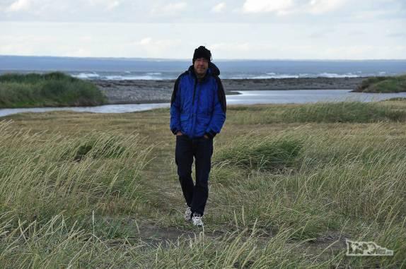 Caminhando em pinguinera na Terra do Fogo, no sul do Chile