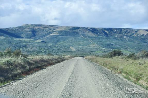 Estrada corta a Terra do Fogo, no sul do Chile