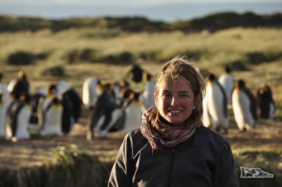 Feli com a beleza do fim de tarde em uma pinguinera na Terra do Fogo, no sul do Chile
