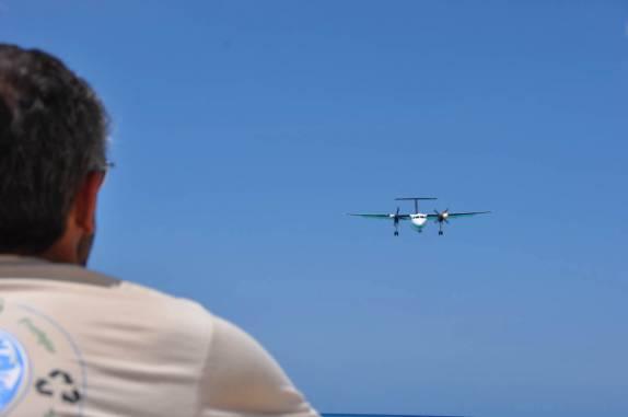 Efeito Ima 574-observando-pouso-de-aviao-de-pequeno-porte-em-maho-bay,-praia-de-sint-maarten---caribe-nikon%20(16382)
