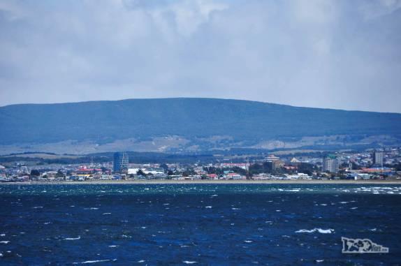 Punta Arenas vista do barco que nos levava à Terra do Fogo, no sul do Chile