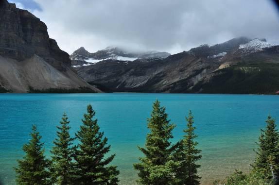 Lago Drakhale 574-um-dos-muitos-belos-lagos-na-estrada-entre-lake-louise-e-jasper,-em-alberta,-no-canada-nikon%20(52853)